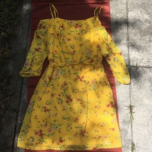 CHARMING CHARLIE Yellow COLD SHOULDER Floral DRESS